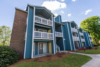 2235 Ashley Crossing Drive 1-2 Beds Apartment for Rent Photo Gallery 1