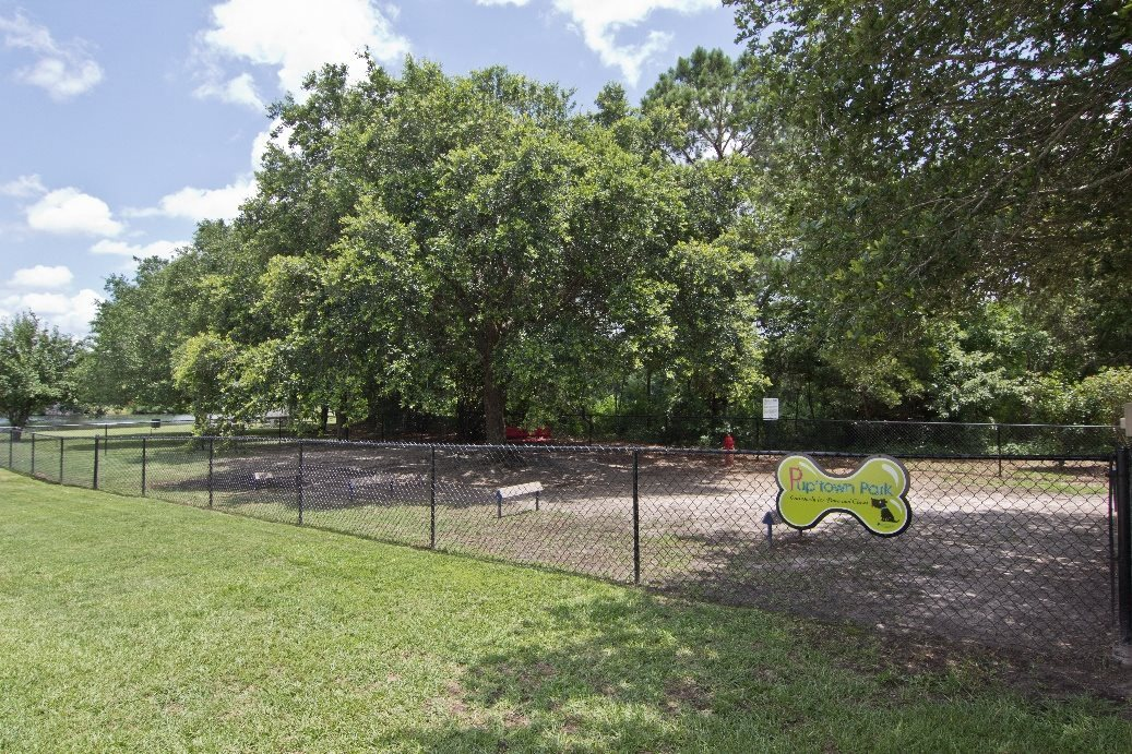 Leash-Free Bark Park at Ashley River Apartments in Charleston, SC
