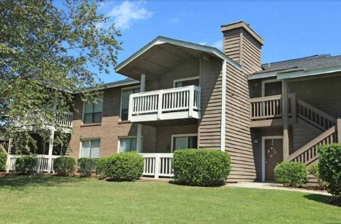 Exterior views of Ashley River Apartment Homes in Charleston, SC