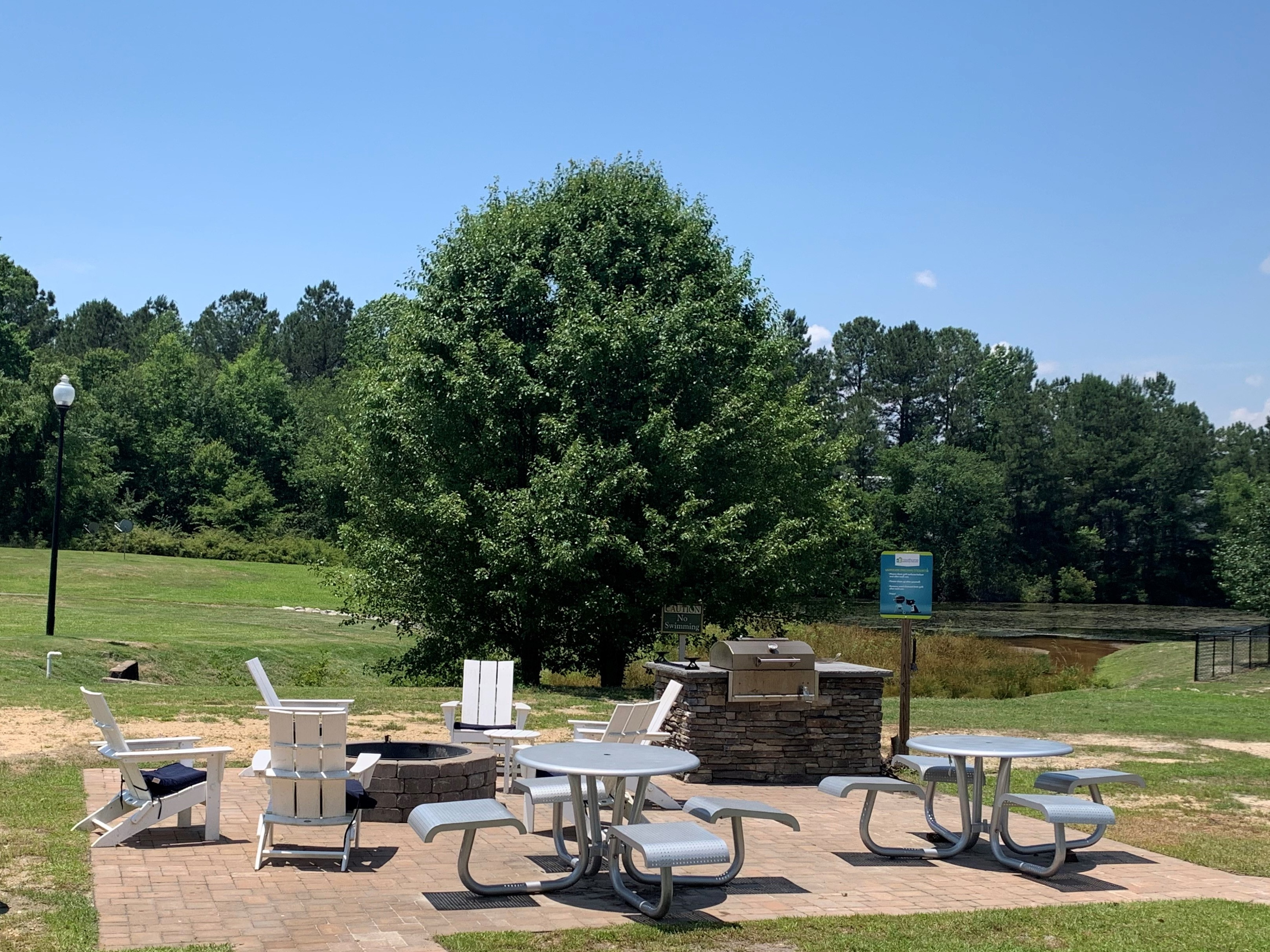 Grilling area at Lakehurst Apartment Homes in Spring Lake, NC 28390