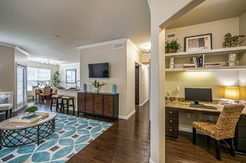 2402 North Ben Wilson Street 1-2 Beds Apartment for Rent Photo Gallery 1