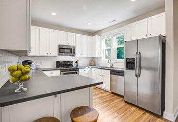7220 Myrtle Grove Road 2-3 Beds Apartment for Rent Photo Gallery 1