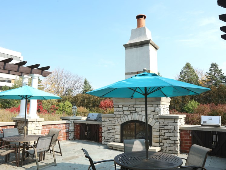 Outdoor Lounge w Fireplace & Grills