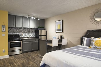 965 Cottage Grove Avenue Studio Apartment for Rent Photo Gallery 1