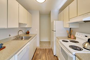 Super 3 Bedroom Apartments In Seattle Download Free Architecture Designs Intelgarnamadebymaigaardcom