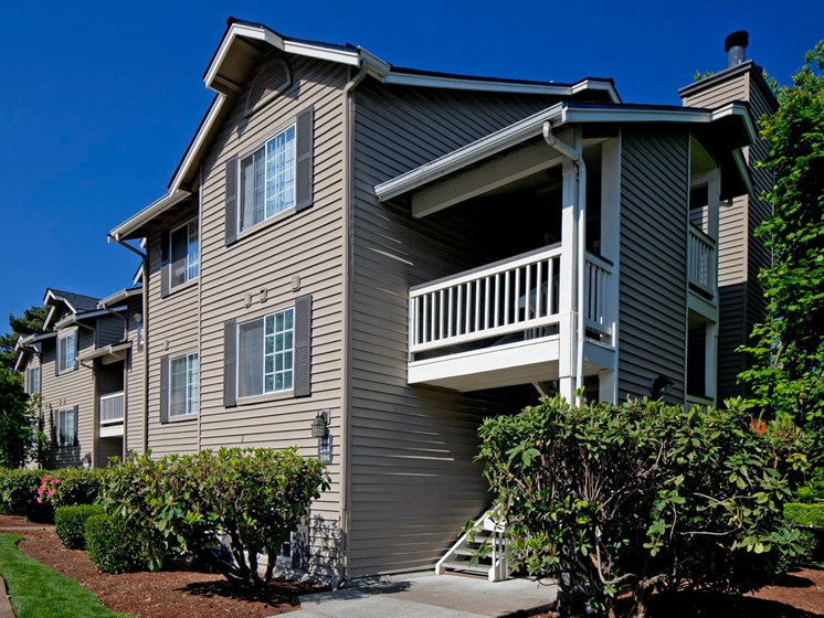 Exterior of Landmark at Tanasbourne Apartments in Hillsboro, OR 97124