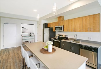1300 W Marine View Dr 1-2 Beds Apartment for Rent Photo Gallery 1