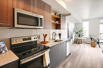 4040 26Th SW Studio-2 Beds Apartment for Rent Photo Gallery 1
