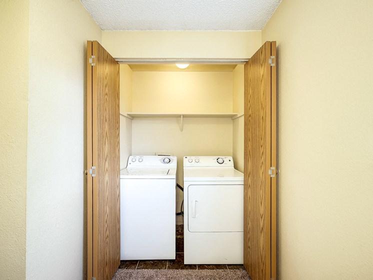 In unit washer dryer closet