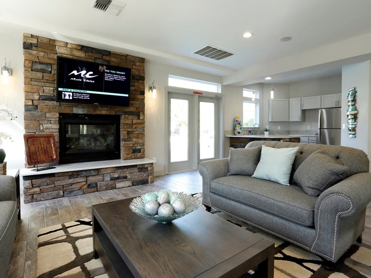 Resident Social Lounge at Copper Creek, Milton