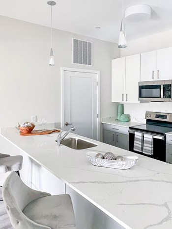 104 Revere Street 2 Beds Apartment for Rent Photo Gallery 1