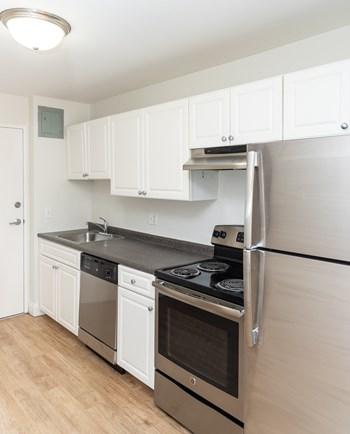 725-735 Adams Street Studio-1 Bed Apartment for Rent Photo Gallery 1