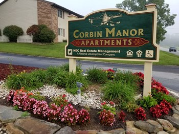 1400 Corbin Manor 1-3 Beds Apartment for Rent Photo Gallery 1