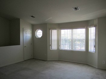 135 Platt Avenue 1-2 Beds Apartment for Rent Photo Gallery 1