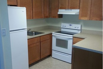 50 Colonial Springs Road 1 Bed Apartment for Rent Photo Gallery 1