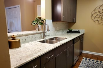 4855 Airline Drive 1-3 Beds Apartment for Rent Photo Gallery 1