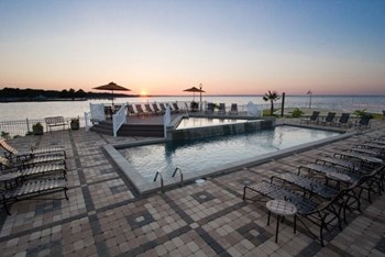 111 Lakeshore Drive 1-2 Beds Apartment for Rent Photo Gallery 1