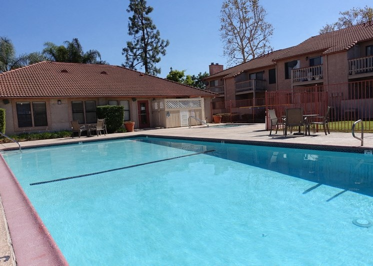 Sienna Pointe Apartments Pool