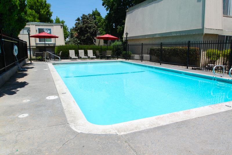 Carmichael Gardens Pool