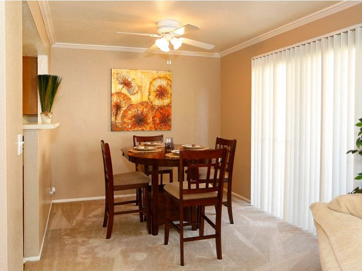 Sienna Pointe Apartments Dining Room