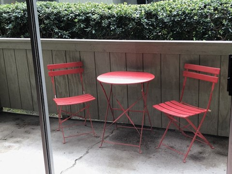 The Redwoods Apartments - Patio