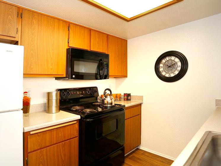 Sienna Pointe Apartments Kitchen