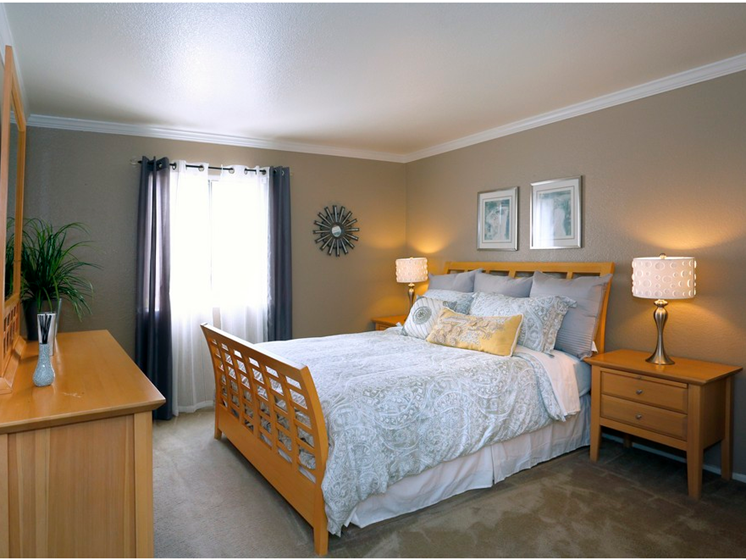 Sienna Pointe Apartments Bedroom