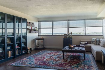 7070 Forward Avenue 1-2 Beds Apartment for Rent Photo Gallery 1