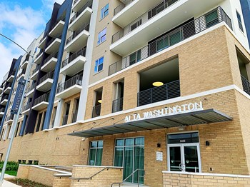 6400 Washington Avenue 1-2 Beds Apartment for Rent Photo Gallery 1