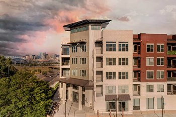 3200 W Colfax Ave 1-2 Beds Apartment for Rent Photo Gallery 1