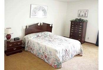 5291 Wood Creek Dr 1-3 Beds Apartment for Rent Photo Gallery 1