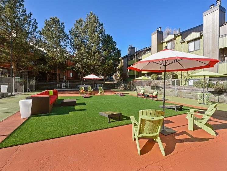 Velo | Denver, CO Apartments | Outdoor Lounge