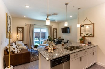 5145 South Dale Mabry Hwy Studio-3 Beds Apartment for Rent Photo Gallery 1