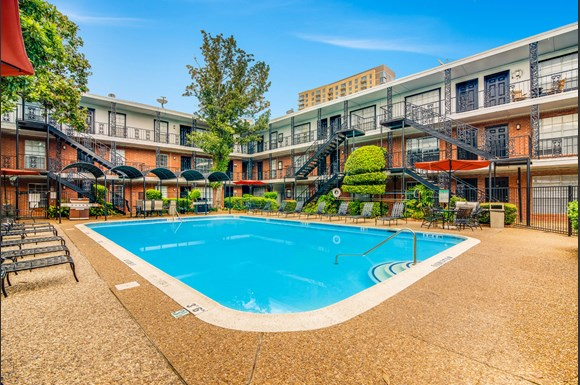 Houston Luxury Apartment Homes Available At Allen House Apartments 3433 West Dallas Street