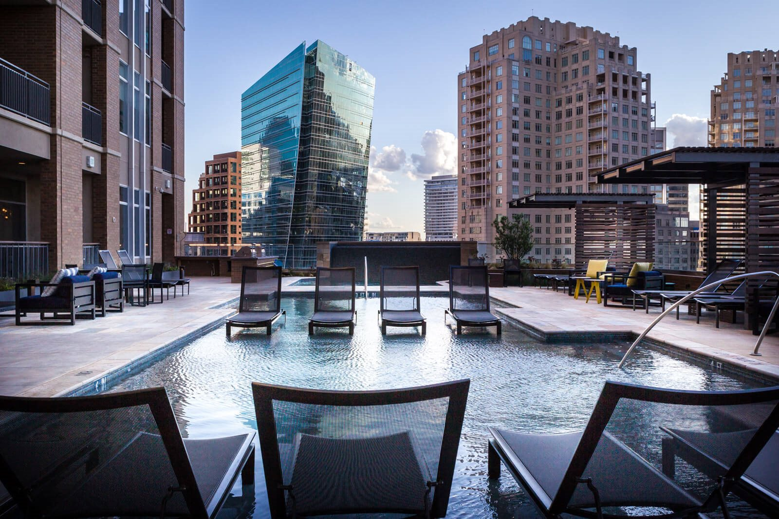 Luxury Apartment Homes Available at The Jordan by Windsor, 2355 Thomas Ave, Dallas