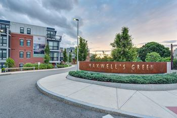1 Maxwells Green Studio-1 Bed Apartment for Rent Photo Gallery 1