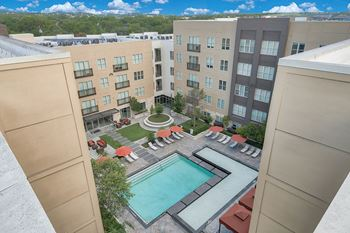 809 S Lamar Blvd 1-2 Beds Apartment for Rent Photo Gallery 1
