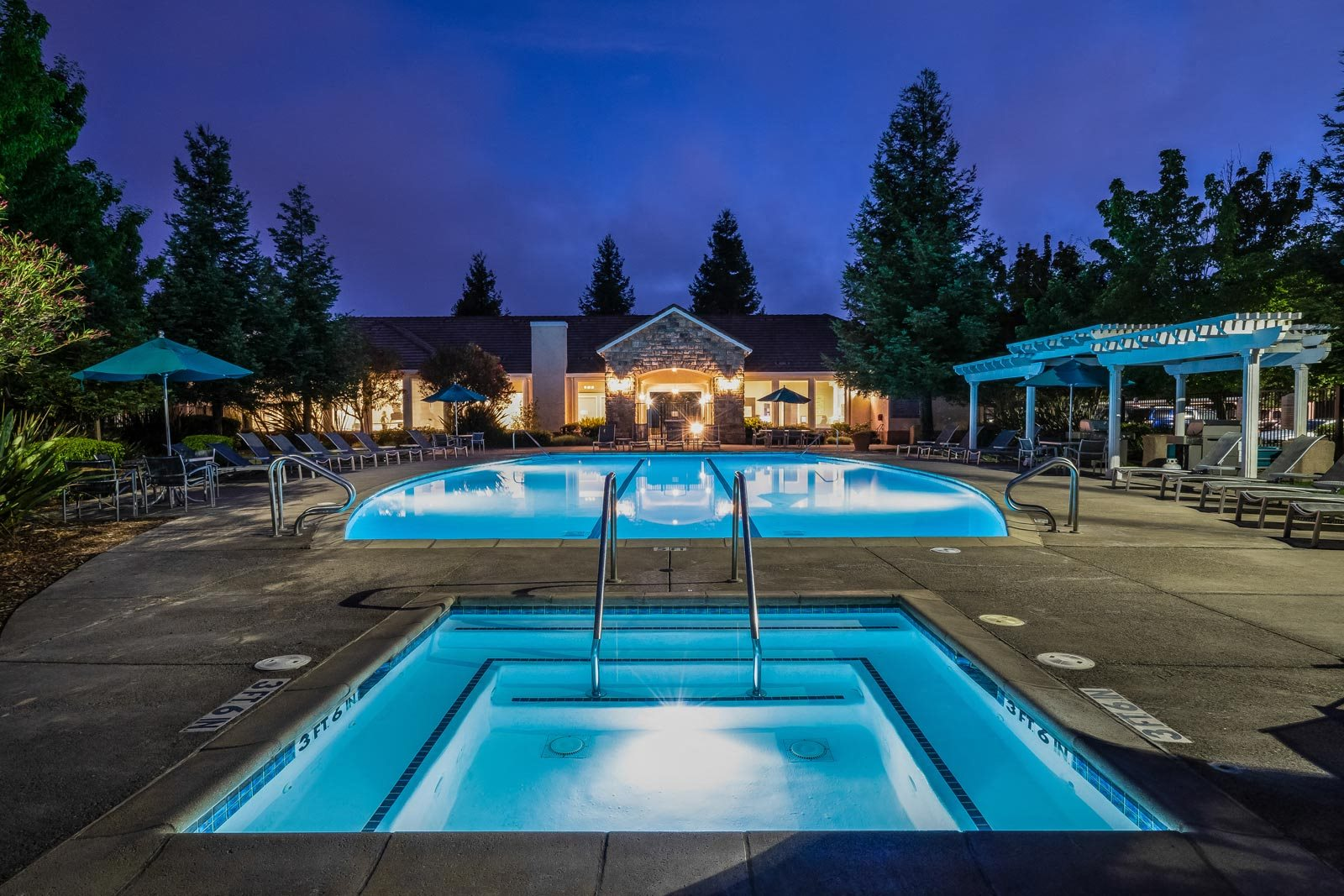 Resort-Style Apartment Community at Windsor at Redwood Creek, 600 Rohnert Park Expressway West, Rohnert Park