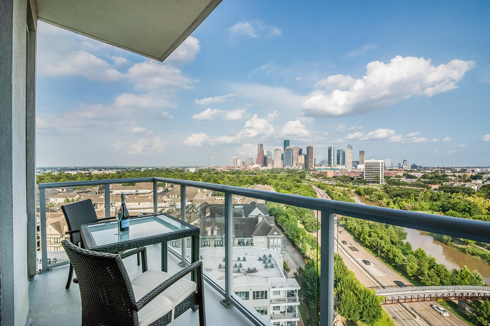High Rise Luxury Apartments at Windsor Memorial, Houston, TX