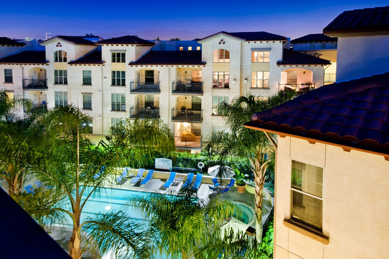Beautiful Apartment Community Setting at Windsor Lofts at Universal City, Studio City, CA