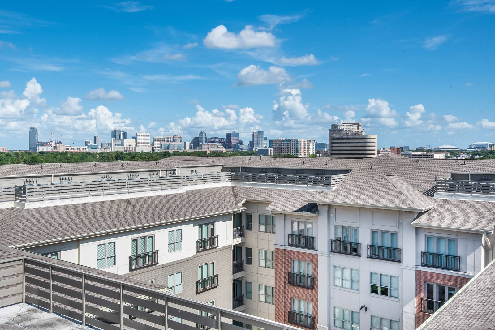 Unique Neighborhood Environment at Windsor at West University, Houston, TX