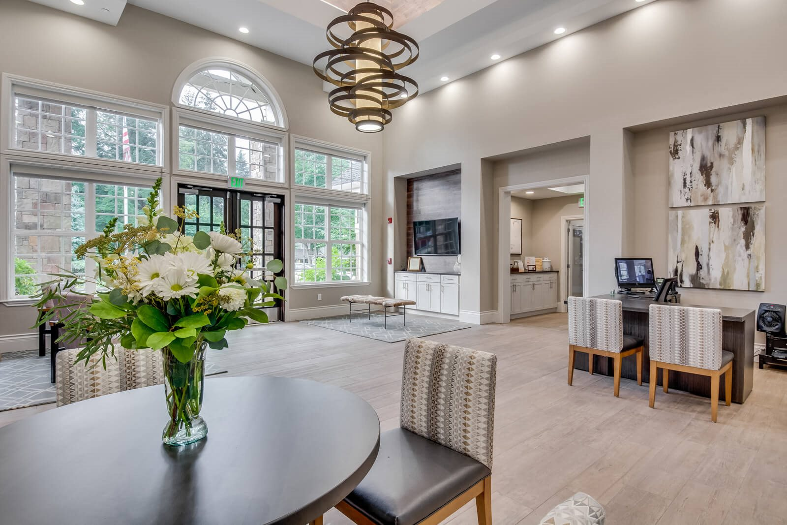 Professional, On-Site Management at The Estates at Cougar Mountain, Issaquah, 98027