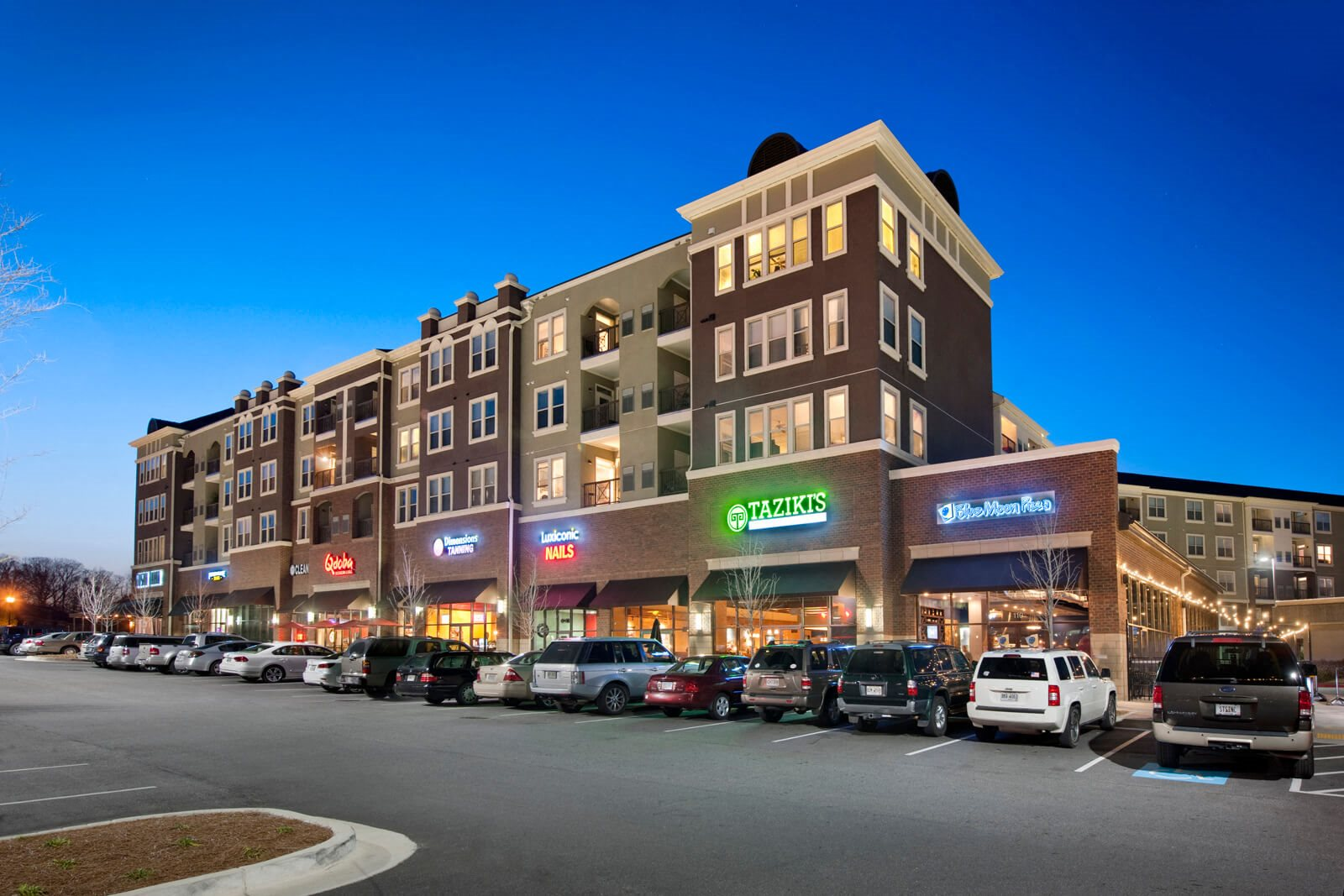 Amazing Retail Shops On-Site at Windsor at Glenridge, Georgia, 30342
