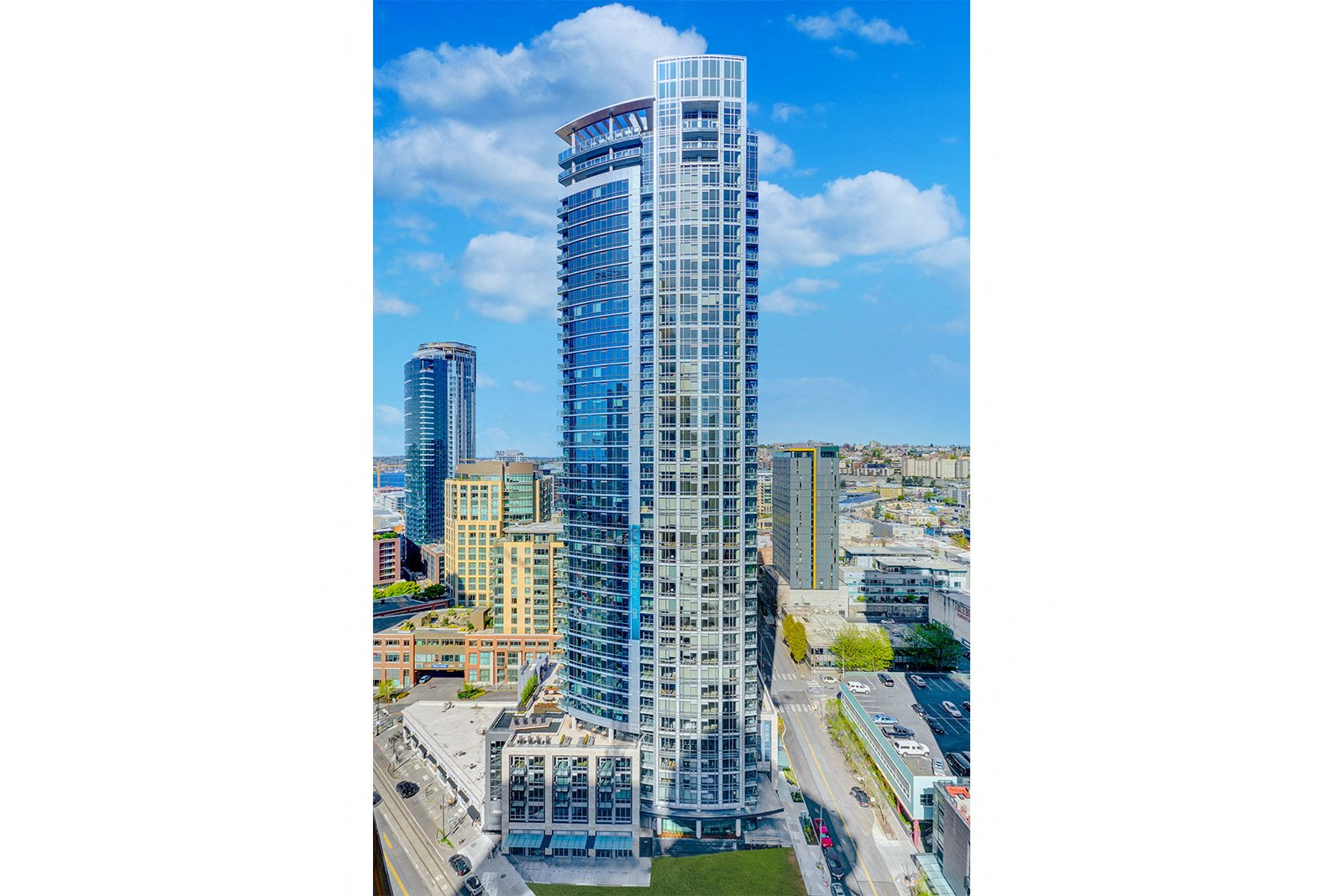 Panoramic Views of Downtown at Stratus, 98121, WA