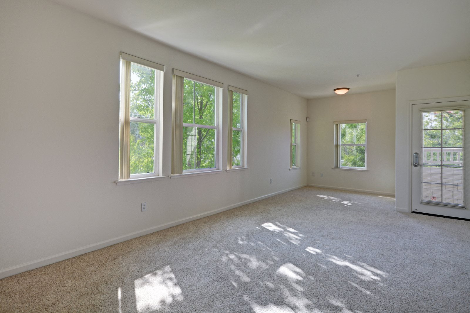Bright Windows Letting in Natural Light at The Kensington, Pleasanton, 94566