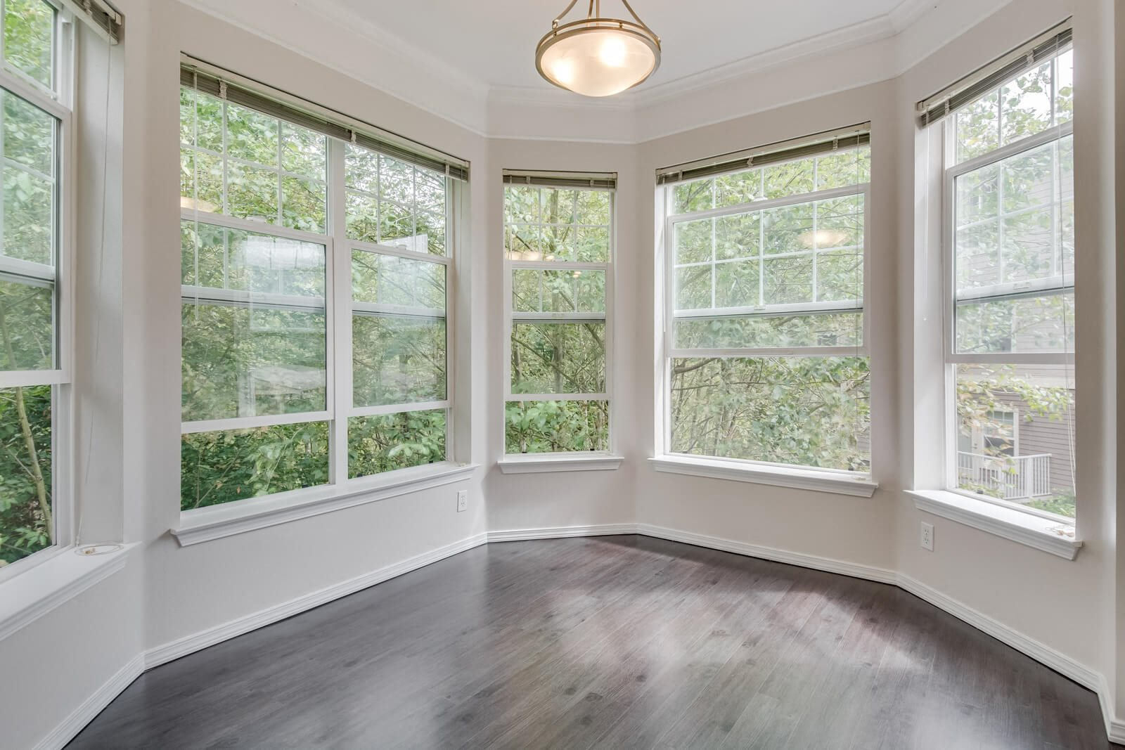 Floor-To-Ceiling Windows at The Estates at Cougar Mountain, Issaquah, WA