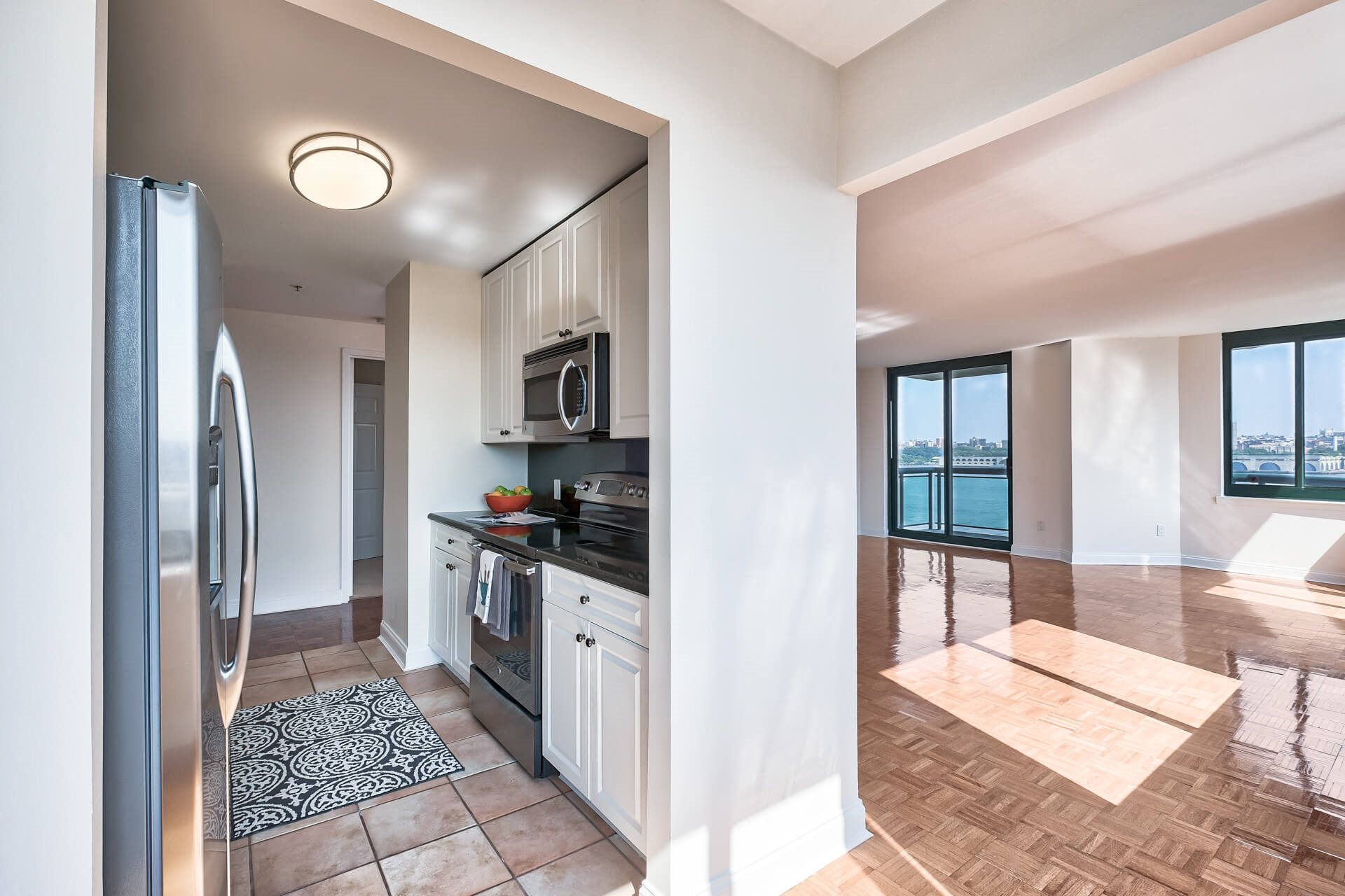 8 foot ceilings in apartments at Windsor at Mariners, Edgewater, New Jersey