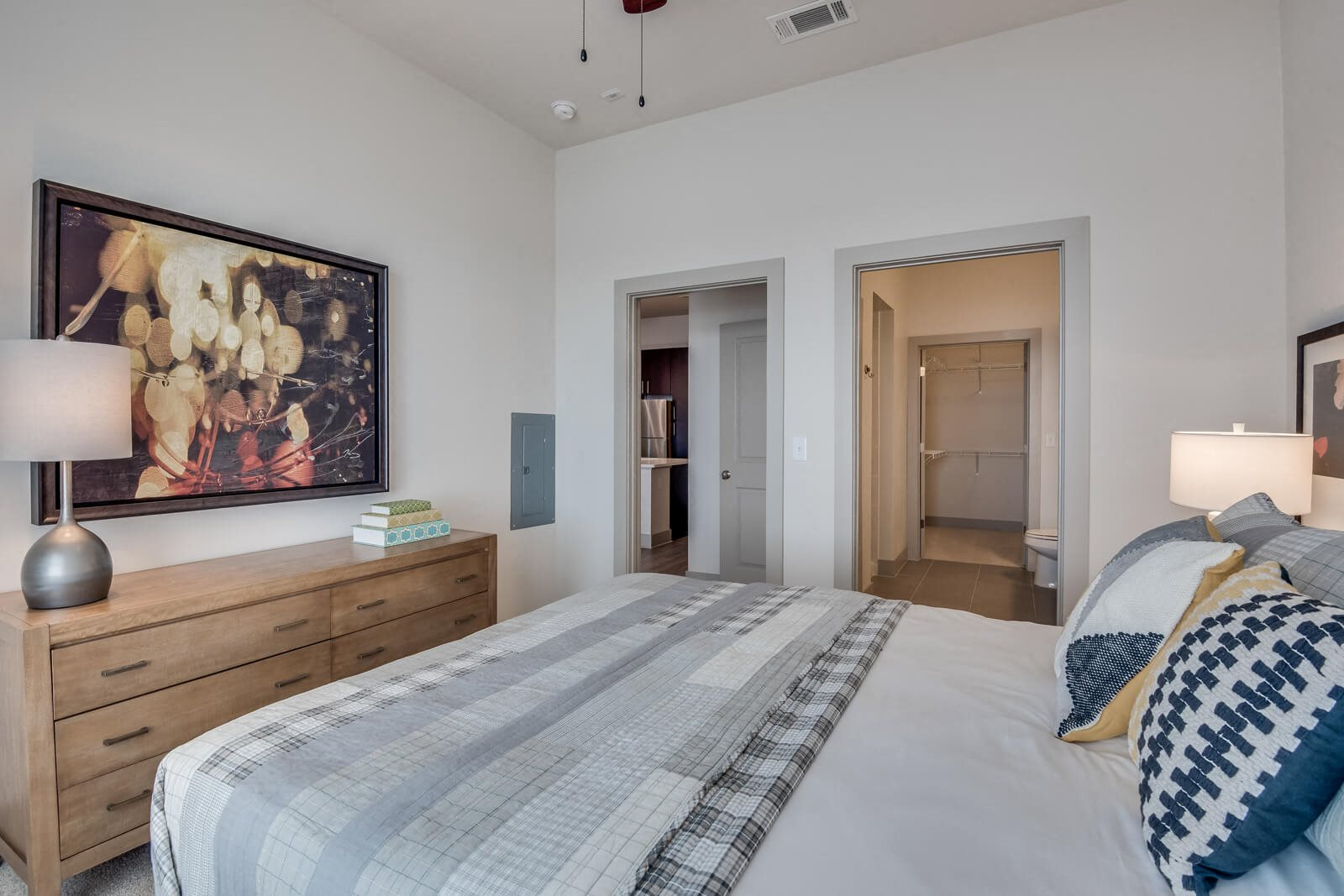 Master Bedroom With Attached Bathroom and Walk-In Closet at Windsor at West University, 2630 Bissonnet Street, Houston