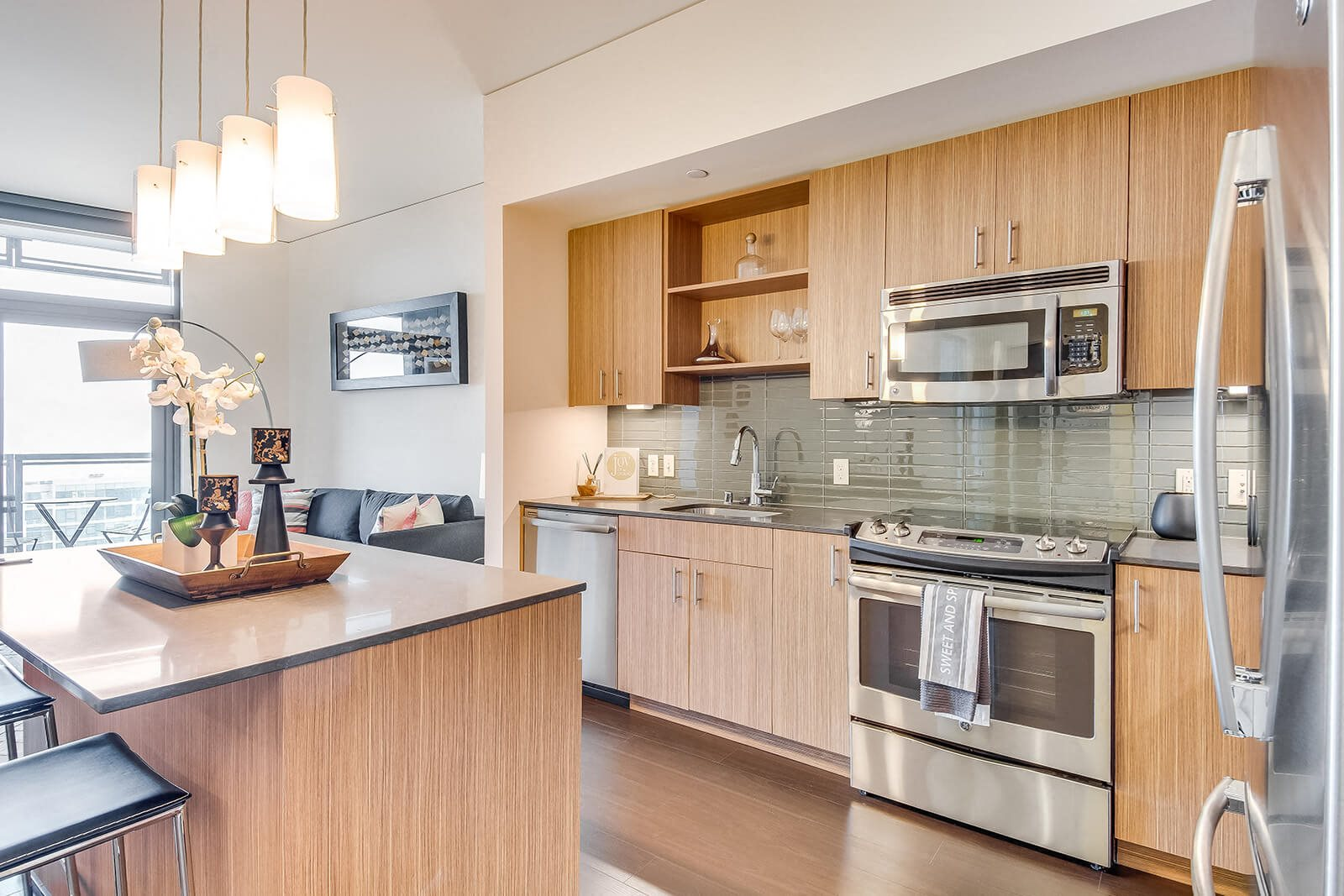 Chef-Inspired Kitchens at Cirrus, Seattle, 98121