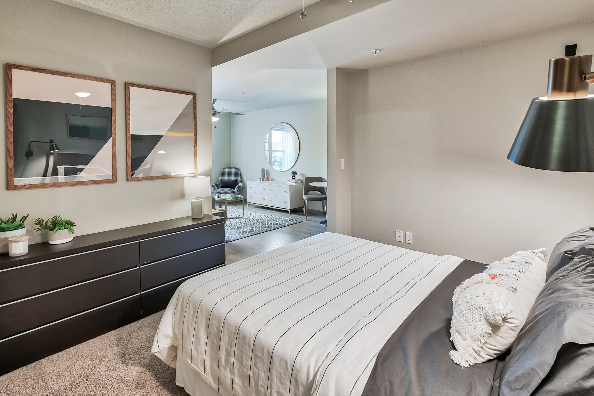 Spacious Bedroom With Comfortable Bed at Platform 14, Oregon, 97124